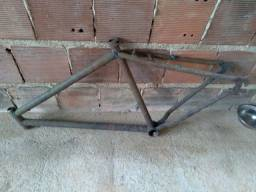 Título do anúncio: Quadro de bicicleta aro 26.