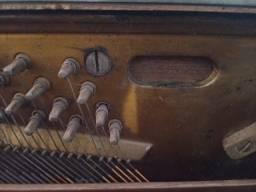Título do anúncio: Piano tipo armário