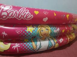 Piscina de bolinhas da Barbie