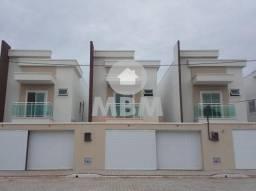 Casa em rua privativa no Eusébio com 128 m², 4 suítes e 2 vagas. Excelente localização
