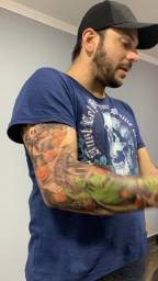 Vendo tatuagem temporária para braço
