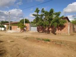 Casa com 4/4 no bairro Guarapuava
