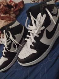 Jordan preto e branco