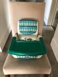 Cadeira de alimentação Chicco portátil.
