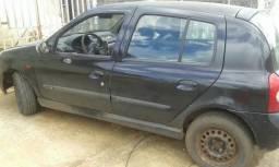 Vendo um Renault clio1.0 8v - 2004