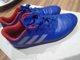 Chuteira Adidas futebol de salão