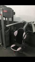 Vendo máquina de ombros de placas profissional de academia, valor 6 mil