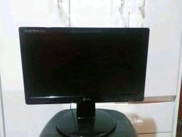 """Belo Monitor LG 15,6"""" polegadas.Perfeito!pra levar"""