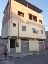 Pequeno prédio com 4 Kitnets e 2 pontos comerciais