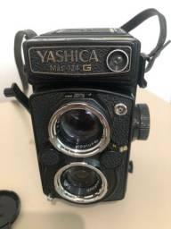 Câmera Analógica Yashica Mat. 124 G