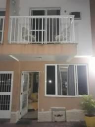 Casa com Varanda em Piedade!!