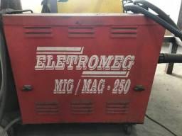 Título do anúncio: Maquina de solda Mig Eletromeg 250