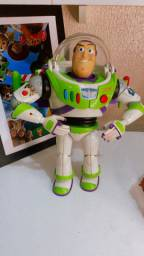 Buzz Toy Story em Português