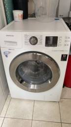 Título do anúncio: Vando máquina  Lava e Seca Samsung 3 em 1  pouco tempo de uso