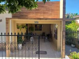 Vende-se casa - Lote de 800 m²