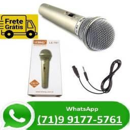 Título do anúncio: Microfone Dinâmico Cardióide E Unidirecional Prata Com Cabo 2,5m (NOVO)