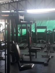 Voador aparelho de musculação