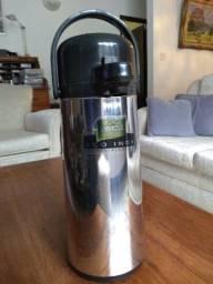 Título do anúncio: Garrafa térmica invicta em aço inox, capacidade de 1,8 litros.