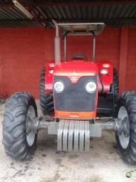 Título do anúncio: Trator Massey Ferguson 4275 4x4 2016 Cabinado
