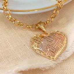 Corrente Elo Grande Português com Pingente de Coração em três ouros