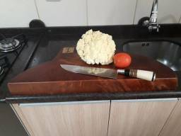 Tábua corte carne churrasco legumes bolacha tora