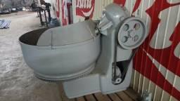 Masseira Industrial 150 Kg Com Garfo Tipo Pinça Battaggion