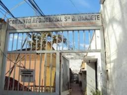 Casa de 2 quartos - Conj. Resid. Santa Bernadete - St. Leste Universitário - Goiânia-GO
