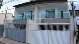 Casa em Colina de Laranjeiras