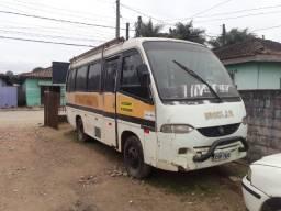 Vende-se ônibus não 2000