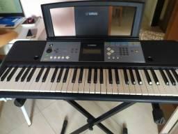 Vendo teclado Yamaha PSR E233