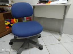 Mesa e cadeira para computador/PC