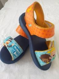 Sandálias infantis - 10,00 cada