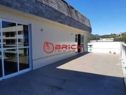 Excelente cobertura duplex com 390 m² composta por 4 suítes em Agriões.
