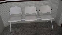 Cadeira longarina de espera