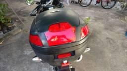 Baú para moto. Taurus de 29 litros