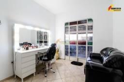 Casa Residencial à venda, 3 quartos, 1 suíte, 3 vagas, Nações - Divinópolis/MG