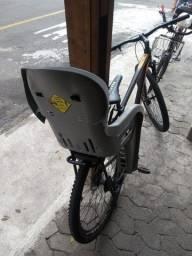 Título do anúncio: Cadeira de criança. De bicicleta