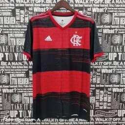 Camisa masculina do Flamengo.