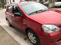Toyota Etios hatch 1.3 2013 completo