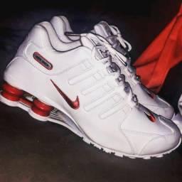 Título do anúncio: Tênis Nike Shox Top!