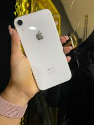 iPhone XR 64GB branco ( somos loja )