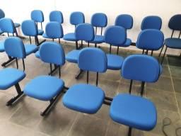 Título do anúncio: Cadeiras de espera para clínicas, hospitais, igrejas etc