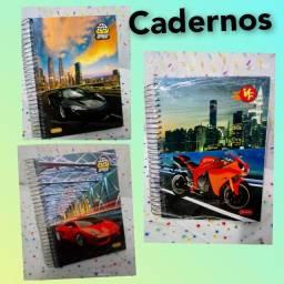 Caderno escolar