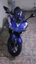 Moto Yamaha R3-YZF- ESPORTIVA