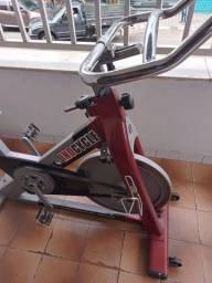 Título do anúncio: Bicicleta bike academia profissional