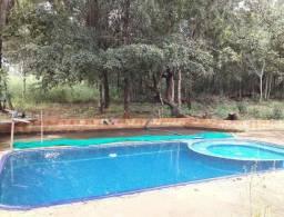 Chácara 2500m2 com casa e piscina