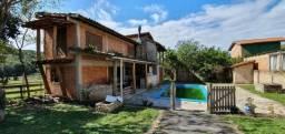 Terreno de 1600m², com 2 casas, excelente para futura pousada na Lagoa da Ibiraquera