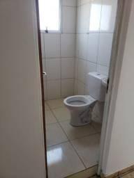 Alugo apto 1 quarto sala coz banho area 450,00 sem fiador cel *