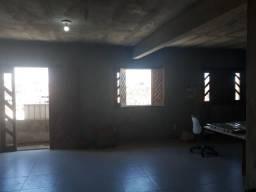 Salão bem ventilado 80m2