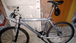 Vendo bicicleta foi dado uma geral nela por isso estou vendendo ela nesse preço
